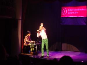 """Harry Ogan mit dem Chanson """"Les Chemins der forets"""""""